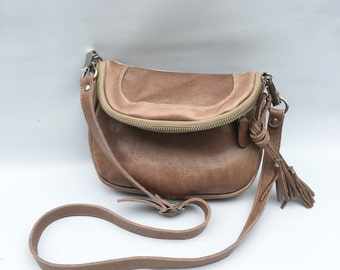 Small Alberta leather bag in taupe