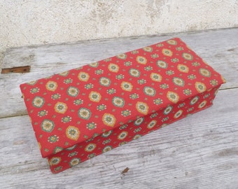Vintage 1950/1960 French Cretonne printed cotton sewing box