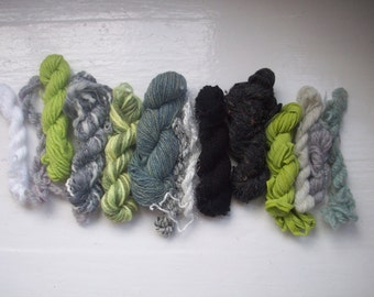 Grab bag assorted yarn 50g green grey GB FE1607