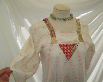 Vintage Patchwork blouse 70s Peasant caftan top White calico floral 70s vintage Boho Top peasant 70s angel sleeves top S