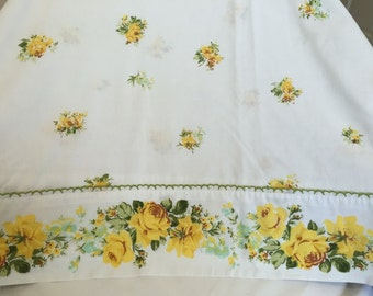 Vintage Full Size Flat Sheet - Gorgeous Yellow Roses with Green Foliage and Trim - Use or Repurpose into Vintage Creations