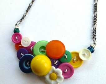 ON SALE Colorful Daisy Necklace Bright Button Jewelry