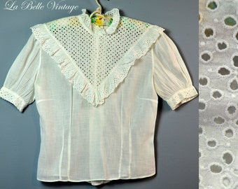 Vintage 1940s Ruffled White Cotton Eyelet Shirt ~ Embroidered Blouse ~ Back Buttons