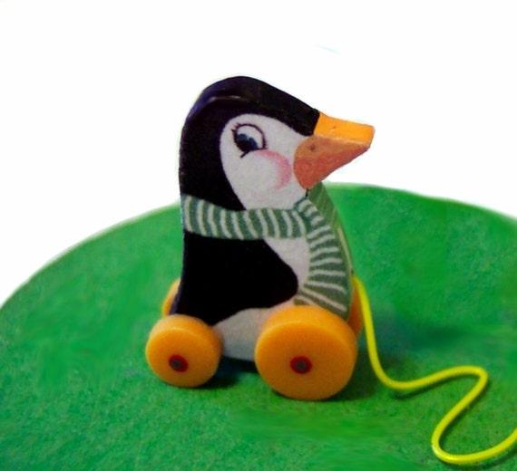 Paddy Penguin Pull Toy KIT Dollhouse Miniature