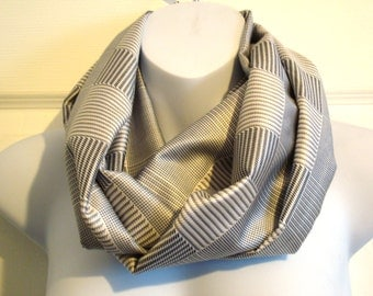 Grey Houndstooth Patterned Print Infinity Scarf Fashion Scarves Unique Scarf Single Loop Circle Scarf Gray White Plaid Squares Tartan Silver