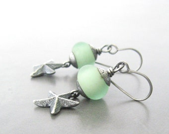 green dangle earrings, ocean earrings, lampwork earrings, starfish earrings, oxidized sterling silver earrings