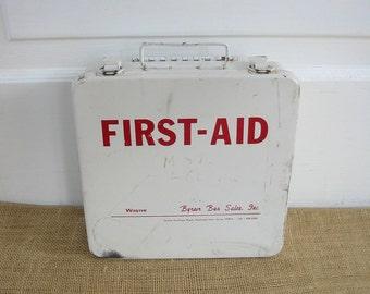 Vintage First Aid Kit, First Aid Case Box, Vintage Metal Cabinet Box, Industrial Storage, Bathroom Cabinet, White Case Box Cabinet Kit,