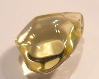 Lemon Quartz Gemstone Free Form Faceted Pendant Bead...21x16mm..22.55ct
