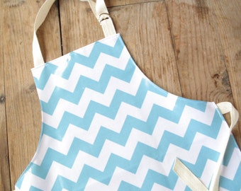 RESERVED Aqua Chevron Laminated Girls Apron AGE 9-12 / Wipe clean paint smock / Craft apron