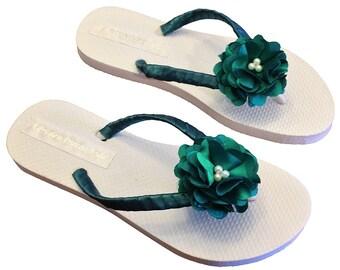 Emerald Green Bridal Flip Flops - Green Bridesmaid Flip Flops - Bridal Sandals - Hunter Green Wedding - Custom Flip Flops - 30 Colors