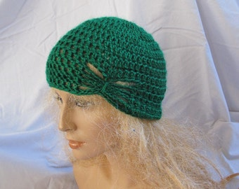 SALE - Kelly Green Butterfly Stitch Accent Beanie (5522)