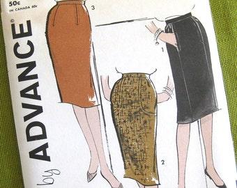 1960 Vintage Sewing Pattern - 1 Yard Skirts - Wiggle Skirt Pattern Slim Skirt Pattern / Advance 9920 // Uncut FF / 24, 26 or 28 WaistWaist