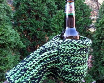 Drink Mitten Green and Black