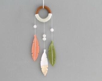 Shimmer Dream Catcher with Felt Feathers. Boho Chic Wall Hanging. Peach and Green Dreamcatcher. Modern Nursery Dream Catcher Wall Decor.