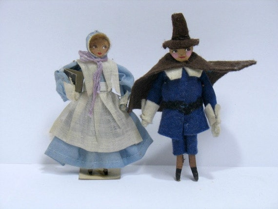 2 Eubank Dolls, Puritan Lady and Man, Hannibal, Missouri, 2 Folk Art vintage Pilgrim wooden Dolls