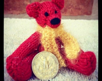 Knitted Teeny Tiny Bears