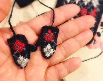 jiajiadoll hand-knit little navy blue red white checked glove mittens fit momoko and Misaki or blythe
