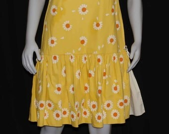 1960 daisy petals falling print drop waisted sleeveless cotton dress by fabric printers of Cali shipping included Usa & Can