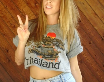Thailand Travel Print Crop Top Tee Shirt - Vintage 90s - M L