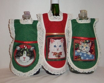 Wine Bottle Apron, Handmade,  Christmas Cats, Eyelet Lace, Dish Soap,  Detergent Cover, Kitchen Kitty, Xmas  Holiday