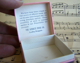 1 Vintage Pharmacy Prescription Pill Box Small Hinged Druggist Collectible 1930 Scholtz Drug Co. Denver Colorado, prescription on lid