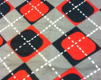 RaToob, Gray Black Red and White Argyle Plaid
