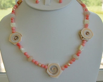 On sale Fun Shell, Coral Necklace Set, Summer, Beachy