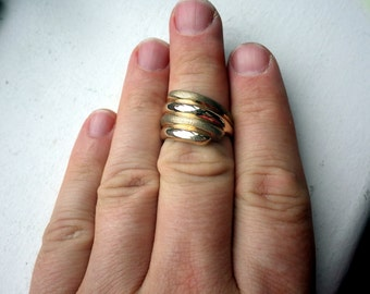 Solid Gold Ring - Bi Finish Swirl Effect - Yellow Gold - Size 10