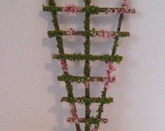 Dollhouse trellis, Garden trellis. trellis, garden ornament , dollhouse garden,  twelfth scale dollhouse miniature