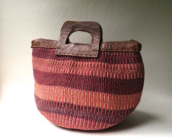 70s/80s Kenyan vintage Natural, Pink and Brown Striped Woven Sisal and Hand Tooled Leather Market Bag / Farmers Market Tote / Festival Bag
