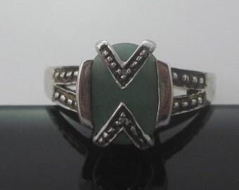 Size 7 Vintage Marcasite Jade Sterling Silver Ring