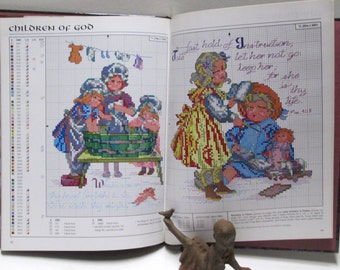 CrossStitch Pattern Book DIY Vintage Baby Wedding Prayers Needle Craft Needlepoint Leisure Arts Let Us Pray Hard Cover Christian