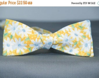 Daisies on Yellow  Bow Tie