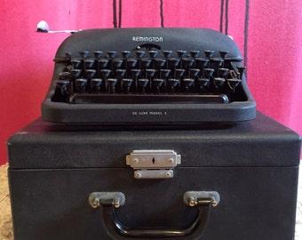 SALE Remington Typewriter, Vintage 1940s Black Remington Rand Typewriter De Luxe Model 5 Mid Century Typewriter in Case in Working Condition