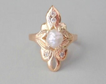 Antique Art Nouveau Ring with Diamonds & Freshwater Pearl. 14k 6.25