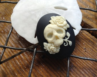Gothic Ivory on Black Skull Hair Clip