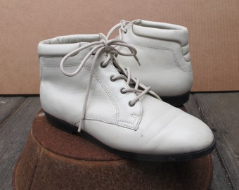 80s Ankle Granny Boot Lace Up BONE Leather Shoe PARTNERS Dallas 6.5 W Euro 36 / Hipster Leather Bootie Beige