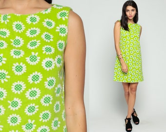 60s Mod Dress Mini Floral DAISY Print 1960s Shift Go Go Twiggy Vintage Lime Green Gogo Sixties Minidress Sheath Sleeveless Medium
