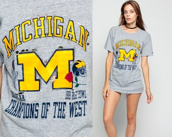 Michigan Wolverines Shirt Football T Shirt DISTRESSED 80s NFL American Football T Shirt Graphic Jersey Tee Sports Vintage Retro Grey Medium