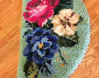 CHENILLE BATH MAT Bathroom Rug Green with Roses and More, Shabby Chic, Cottage Chic, Retro, 1960s, at A Vintage Revolution