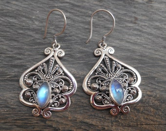 Sterling silver Moonstone gemstones dangle earrings / silver 925 / Handmade Jewelry / 1.75 inch long