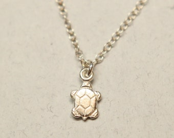 Sweet turtle Necklace 925 silver sterling , turtle silver Necklace , turtle pendant, pretty, delicate, dainty
