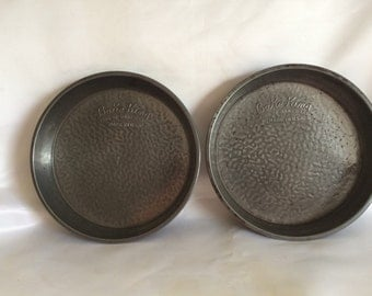 Set of 2 Vintage Bake King Cake Pans