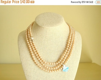 """Vintage pearl necklace, glass pearl necklace, 60"""" peachy beige knotted pearls, LaRoyal Japan, bridesmaid gift, flapper glass beads"""