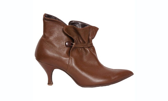 vintage 1960s pixie boots brown leather high heel ankle