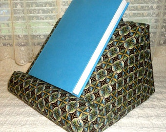 Ipad Stand/Book Stand/ Padded Lap Reading Stand/ Soft iPad Stand/Reading Pillow