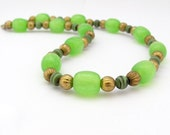 Vintage Neon Green Necklace, Bold Boho Bohemian Jewelry, Hippie Chic Jewelry, Beaded Necklace, Lucite necklace, Rockabilly Necklace