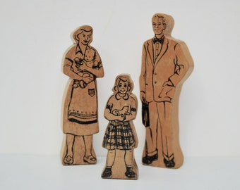 Vintage wood family 1940's mom dad girl kitten thick wood play family figures mom and baby