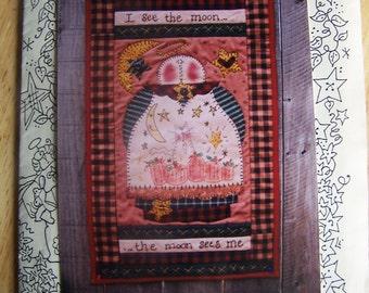 Meme's Quilts The Moon & Me 19 x 31 Primitive Wall Quilt Pattern MQ#153