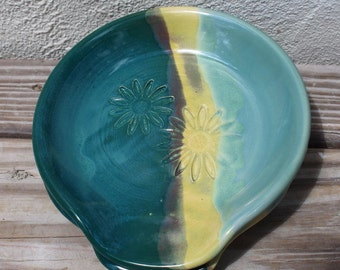Spoon Rest / Daisy / Kitchen / Utensil / Cooking / Gourmet / Turquoise SHIPS NOW Handmade by Big Dog Pots Pottery Bigdogpots